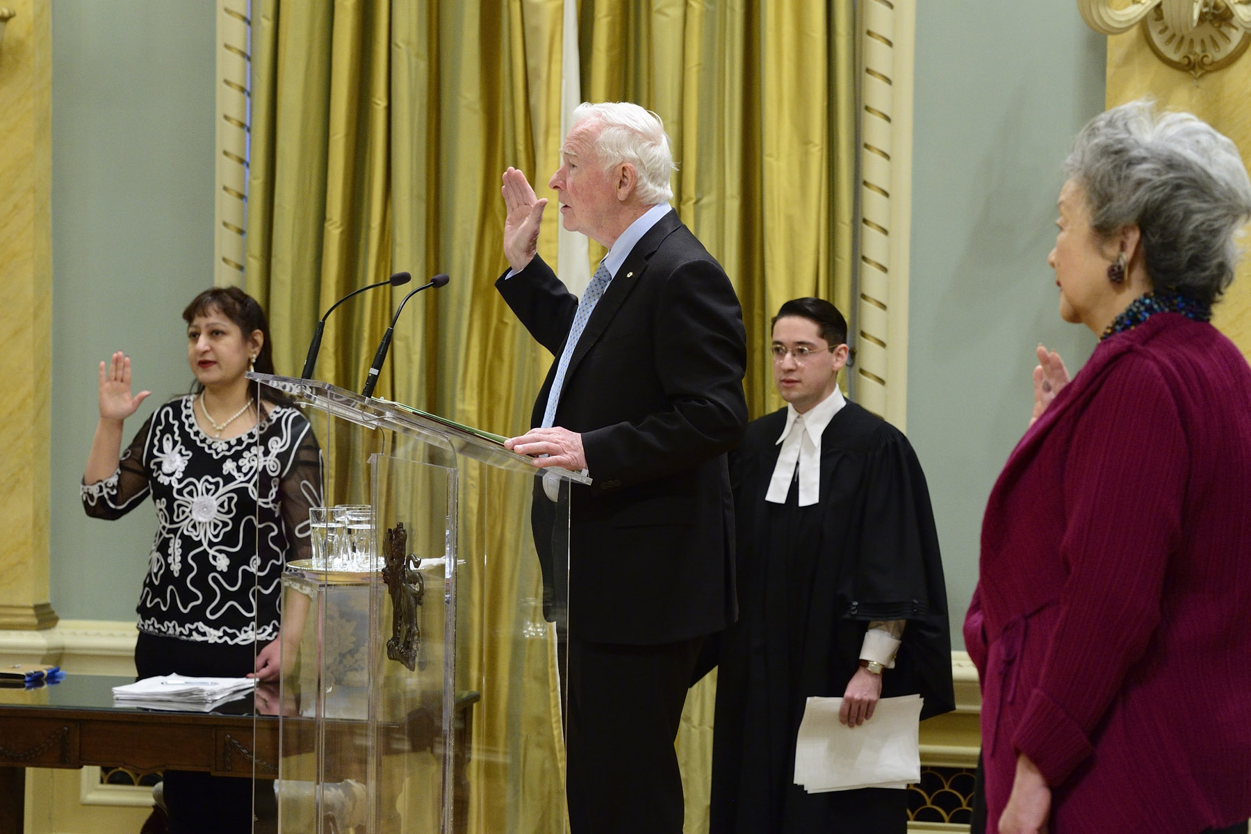 The Governor General administered the Oath of Citizenship and conferred citizenship certificates to 37 new Canadians.