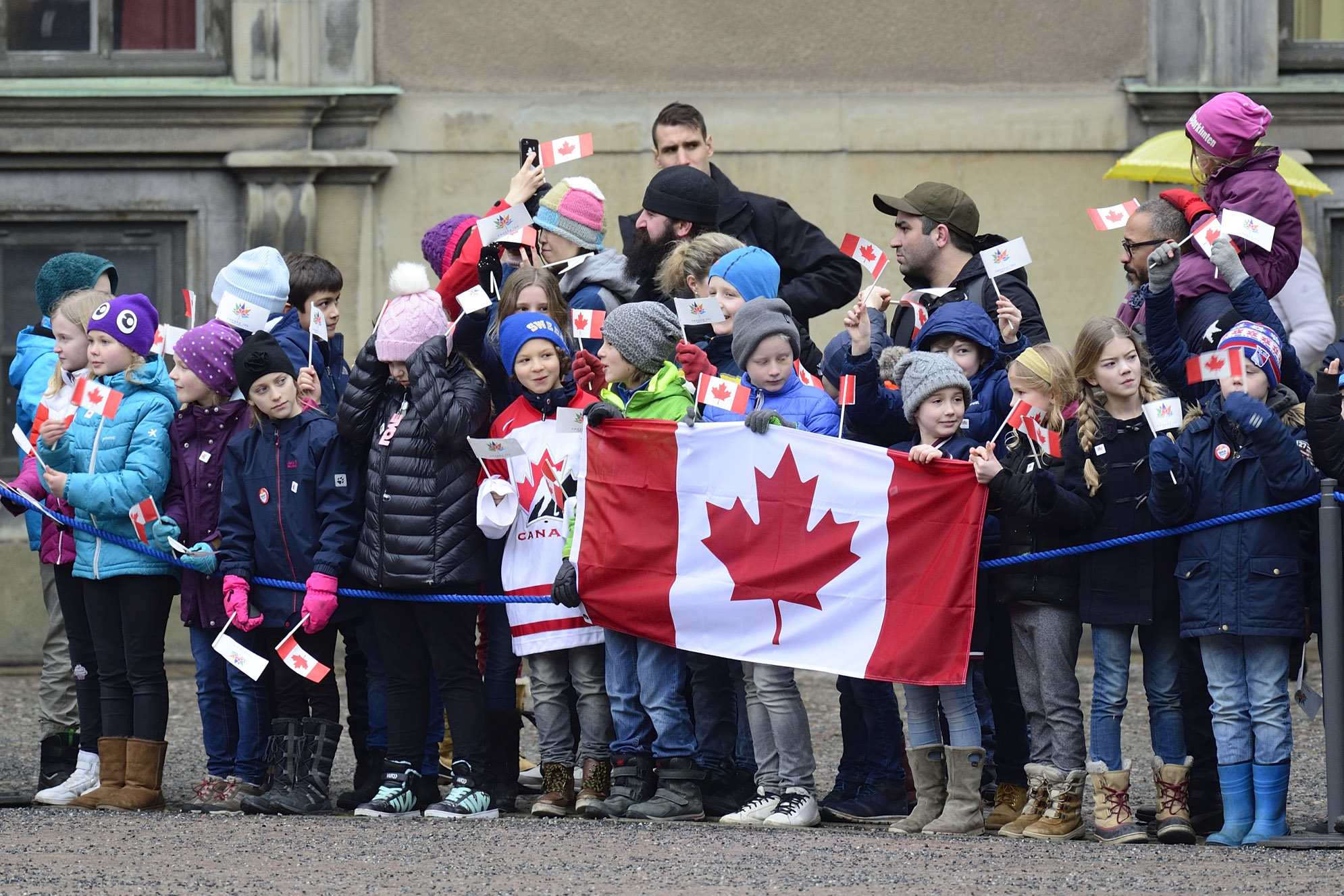 Canadians were at the Royal Palace of Stockholm waiving their Canadian flags to welcome Their Excellencies and members of the delegation.