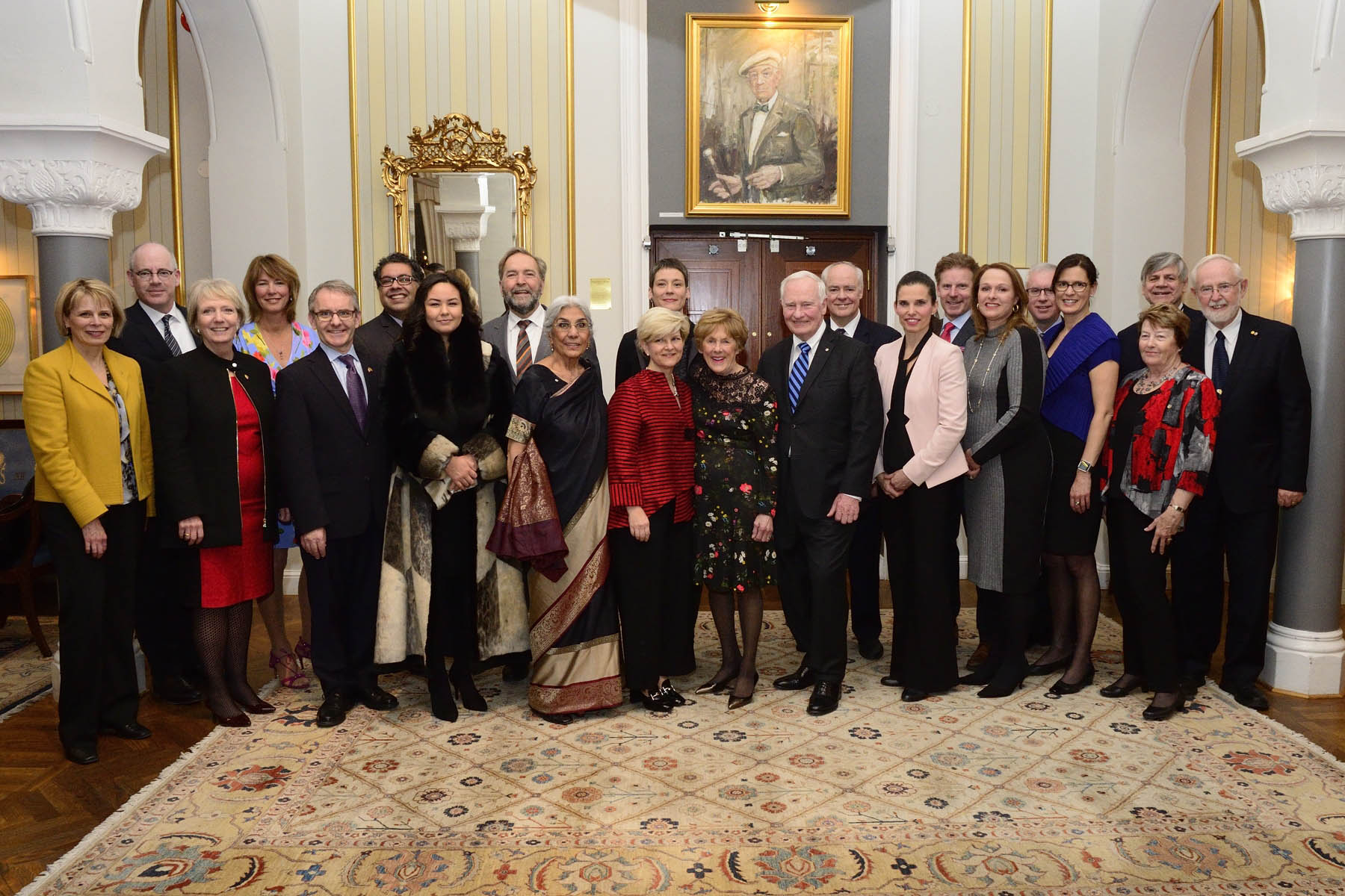 In the afternoon, Their Excellencies and the Canadian delegates gathered to bid farewell to Her Majesty Queen Silvia.