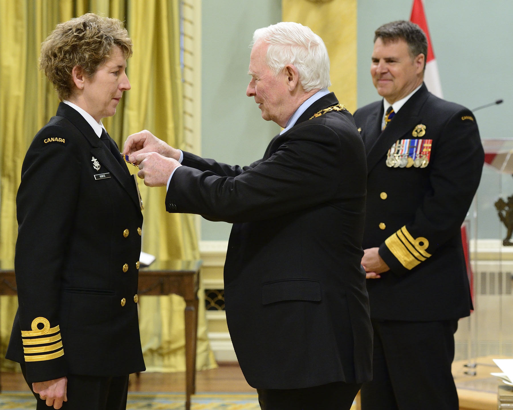 His Excellency presented the Order of Military Merit at the Officer level (O.M.M.) to Captain(N) Josée Kurtz, O.M.M., C.D., from the Office of the Director Naval Personnel and Training