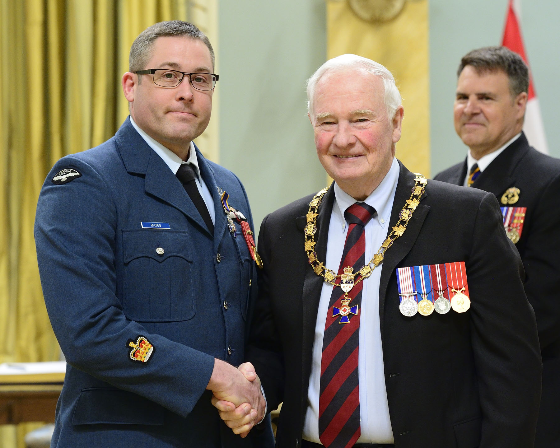 His Excellency presented the Order of Military Merit at the Member level (M.M.M.) to Sergeant Stephen Claude Joseph Bates, M.M.M., C.D., from 413 Transport and Rescue Squadron in Greenwood, Nova Scotia.