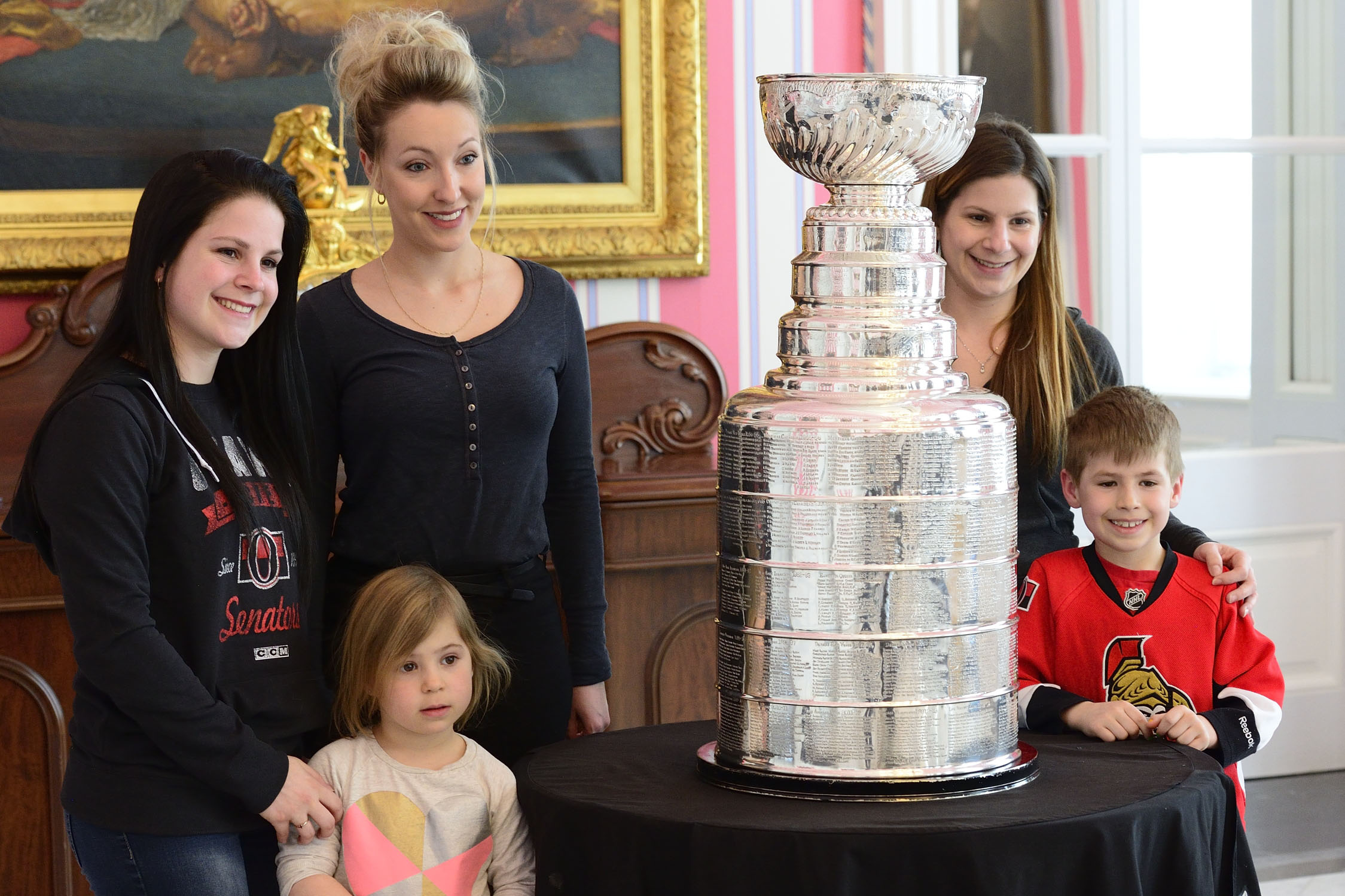 Members of the public had the opportunity to see and take their picture with the Stanley Cup underneath the portrait of Lord Stanley, Governor General of Canada from 1888-1893, who had the idea of giving our country this treasured national icon.
