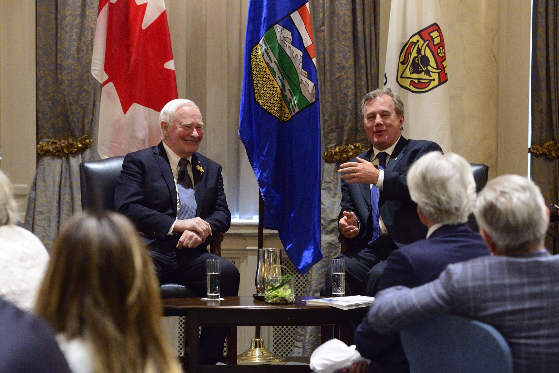 Earlier in the day, His Excellency and Mr. Jenkins participated to a luncheon event, organized by the University of Calgary's School of Public Policy, which served as an opportunity to discuss the history and future of innovation in Canada.