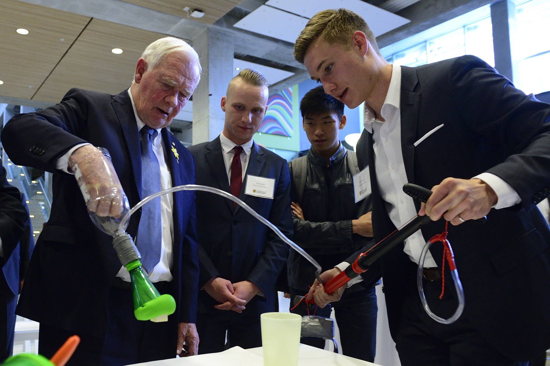 The Governor General and Mr. Jenkins also examined an innovation showcase of projects developed at, or in collaboration with, the University of Calgary.