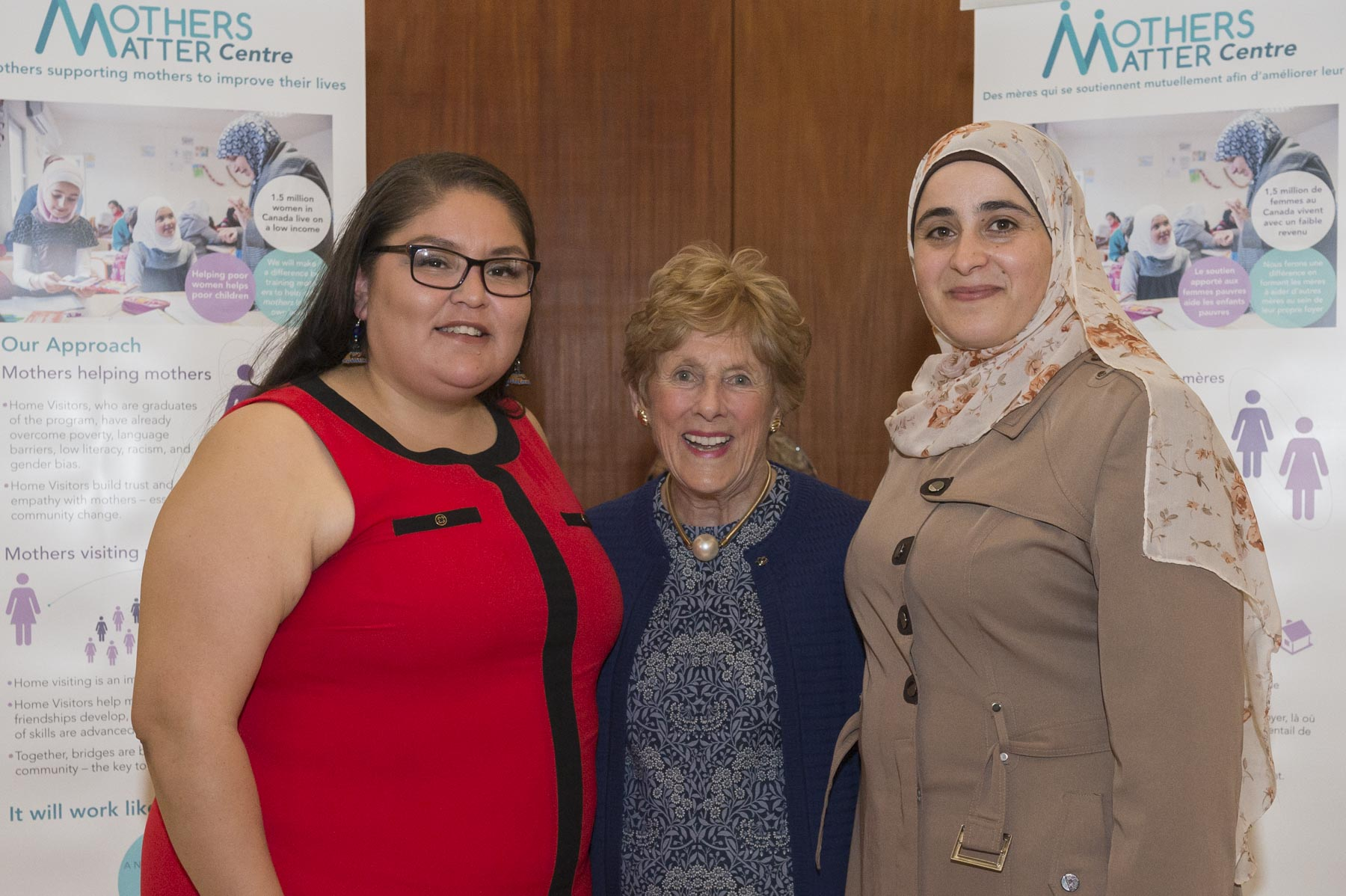 Ms. Johnston with the other two 2017 recipients: Tracy Joseph, an Aboriginal HIPPY mother from Vancouver on the left and Mayssa Haj Ali, a refugee mother from HIPPY Ottawa on the right.