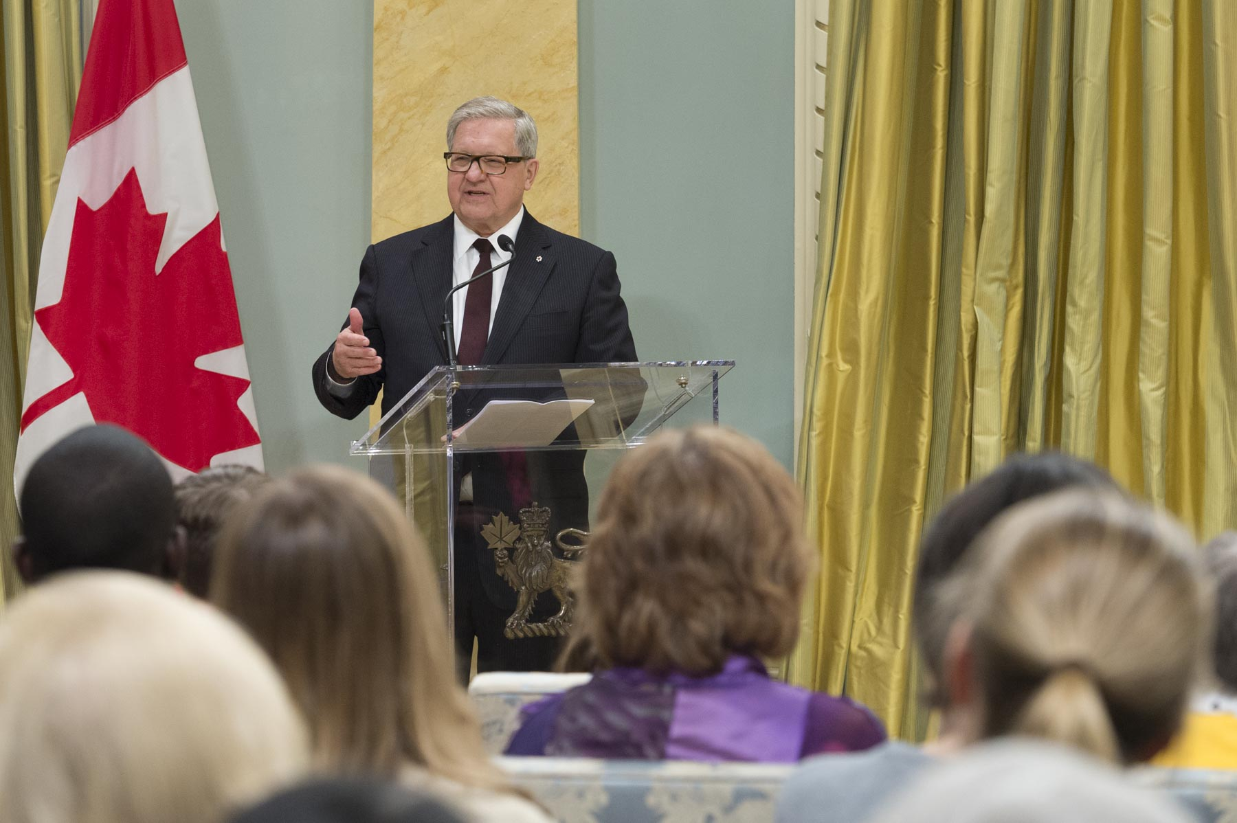 Mr. Axworthy delivered remarks thanking UNA-Canada for this award.