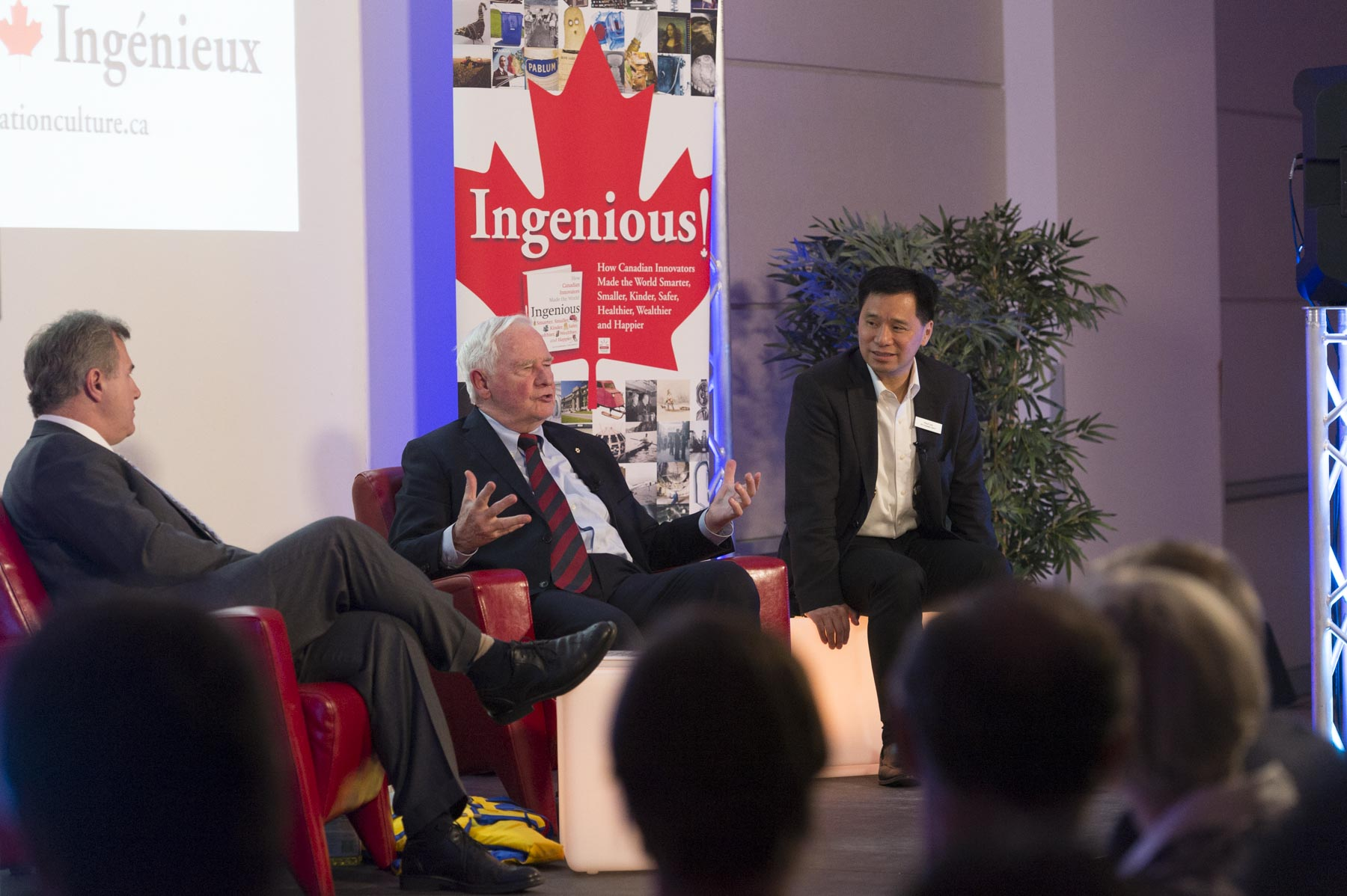 In the evening, during an on-stage conversation, the Governor General and Tom Jenkins, Chair and former CEO of OpenText and Chair of the National Research Council, spoke about their book, Ingenious, to more than 200 guests at the Vancouver Public Library.