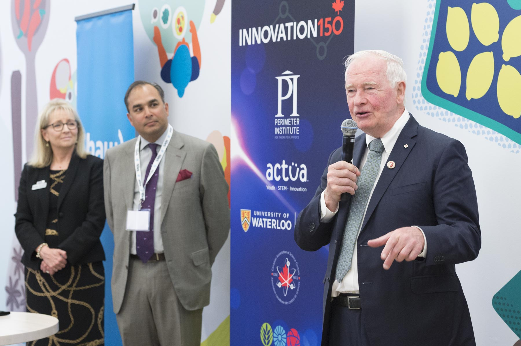 On the final day of his visit to Western Canada, His Excellency the Right Honourable David Johnston, Governor General of Canada, was TELUS Spark, Calgary's science centre, to visit Innovation150 Power of Ideas Tour Expo, on June 7, 2017.