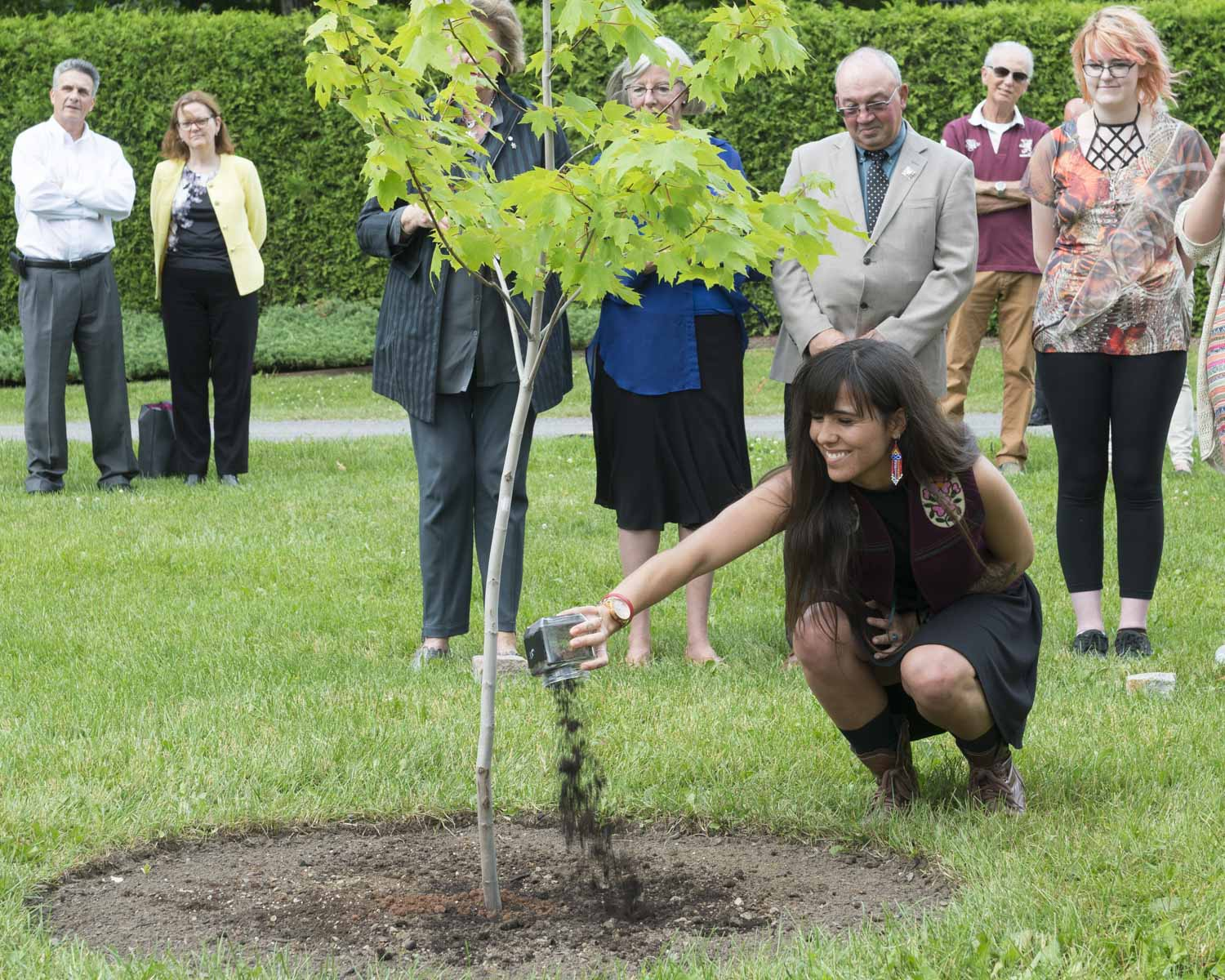 Over 140 commemorative trees grace the grounds of Rideau Hall, the official residence of the governor general of Canada. They mark visits by members of the Royal Family, heads of State and other dignitaries and special events, such as the 150th anniversary of Confederation.