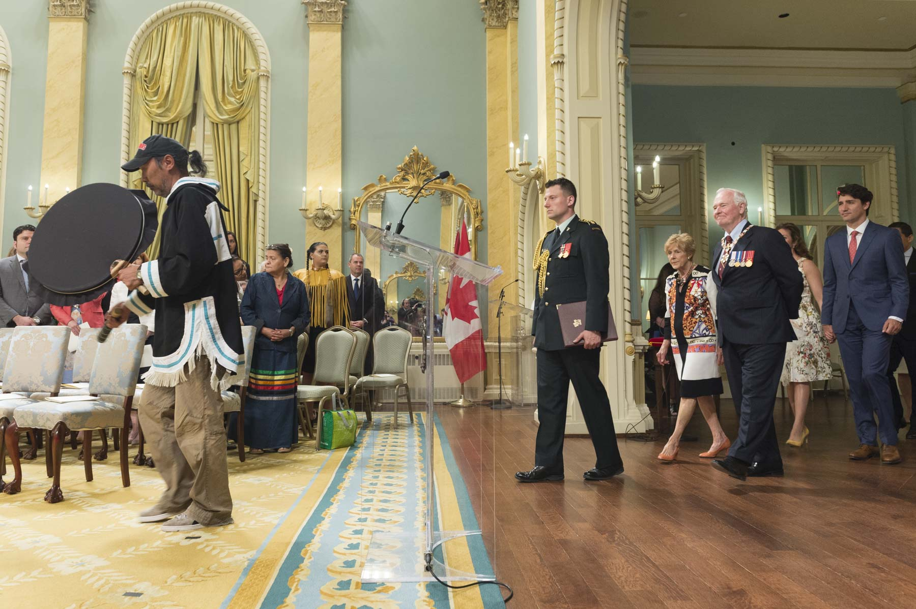 The Governor General presented honours in recognition of outstanding Indigenous leadership to 29 recipients during a ceremony on June 19, 2017 at Rideau Hall. The Right Honourable Justin Trudeau, Prime Minister of Canada, was in attendance, along with other dignitaries and special guests. Inuit Elder July Papatsie led the procession by drum at the beginning of the ceremony.