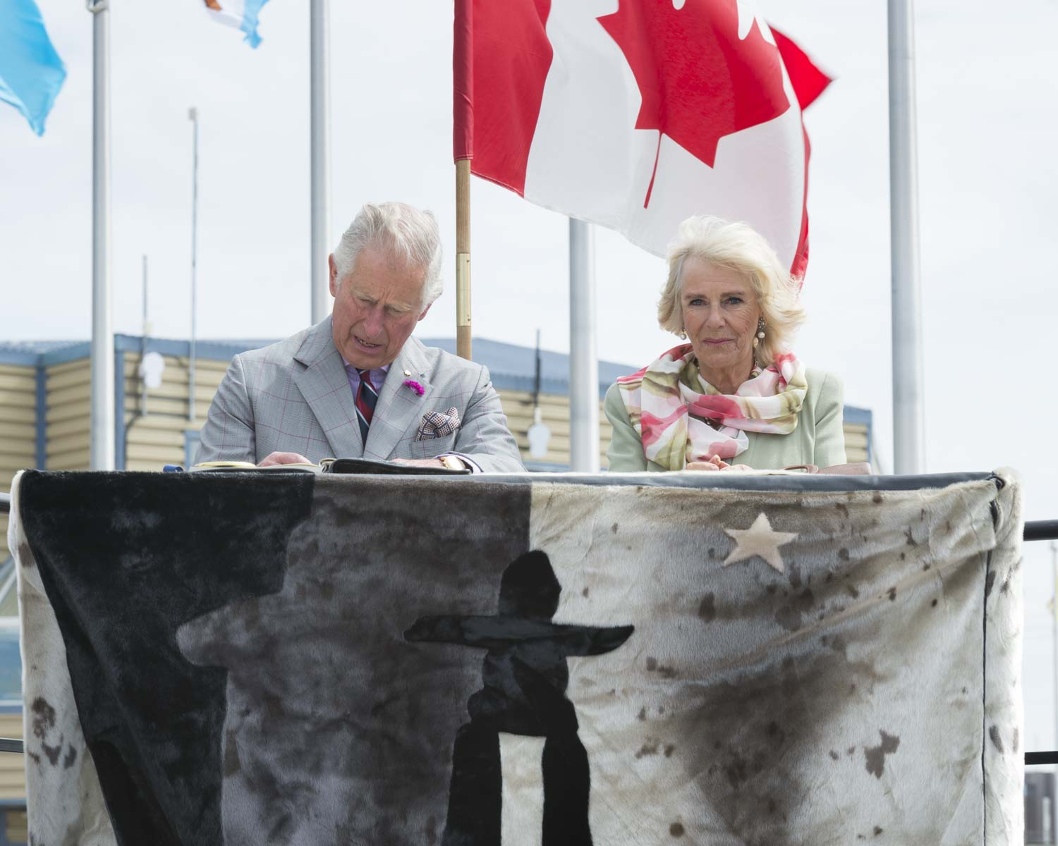 Their Royal Highnesses signed the Government of Canada Golden Book and the Nunavut Guestbook.