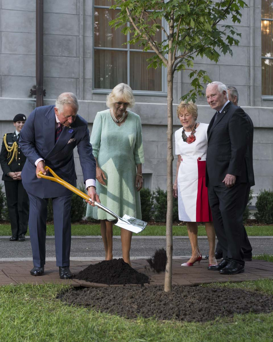 Their Royal Highnesses planted a sugar maple tree during a tree planting ceremony at Rideau Hall. The tradition of ceremonially planting a tree during Royal or State visits began with the Right Honourable Earl Grey, Governor General of Canada from 1904 to 1911. Since that time, planting ceremonial trees has become a Canadian tradition, symbolizing the living friendship and co-operation of nations.