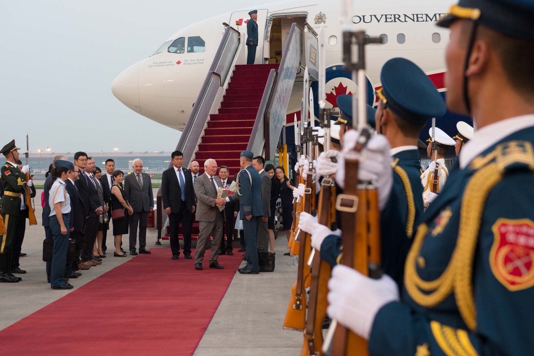They were greeted by Chinese senior officials.