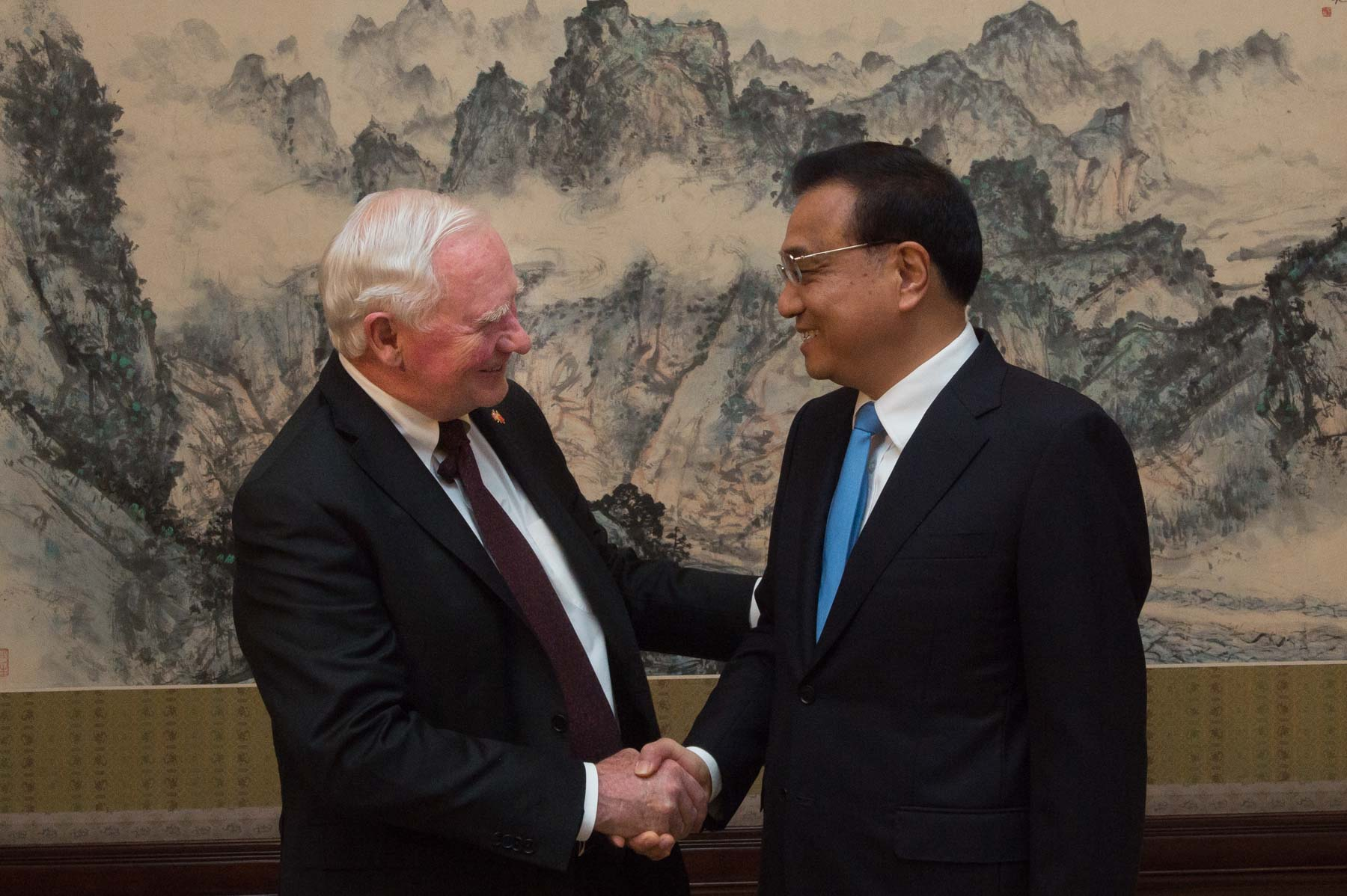 In the afternoon, the Governor General met with Premier Li Keqiang to streghten Canada-China relations.
