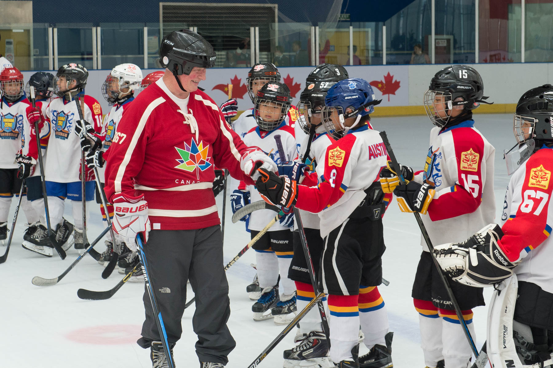 The event provided the Governor General and Canadian delegates with an opportunity to meet with Chinese youth interested in playing hockey, with women players from the HC Kunlun Red Stars team, and with Canadians promoting hockey in China.