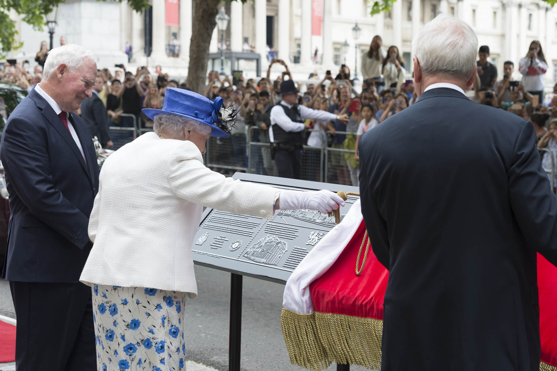 The event concluded with The Queen's unveiling of a new Jubilee Walkway Panel outside Canada House.