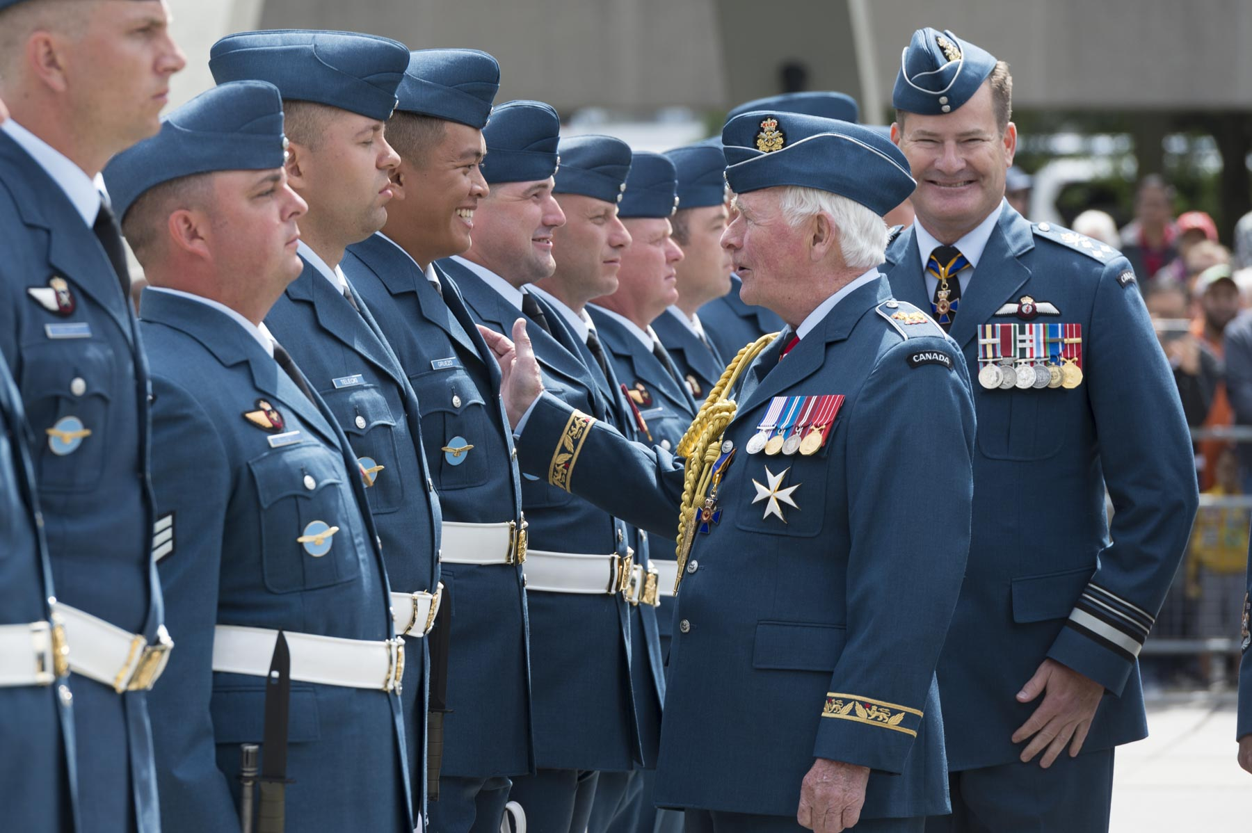 Upon arrival in Toronto, His Excellency presented the new colours to Royal Canadian Air Force (RCAF) members.