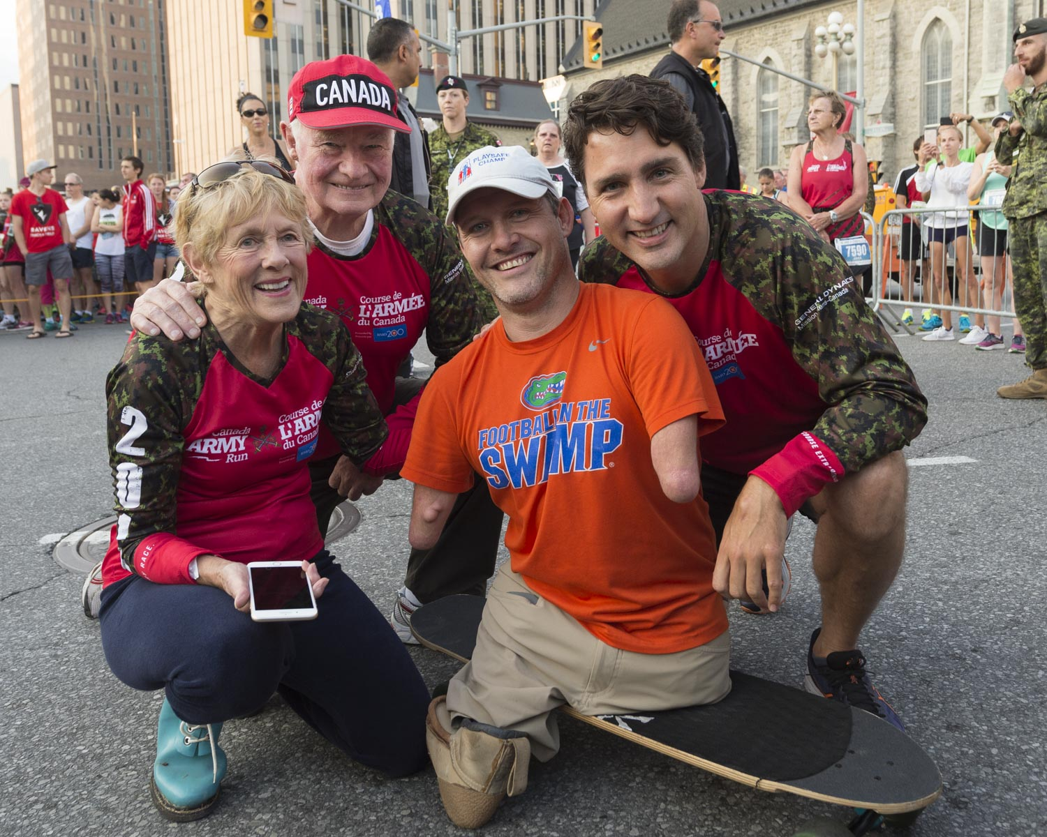 As patrons of Canada Army Run, Their Excellencies met with participants in the Ill/Injured/Disabled category of Canada Army Run, in downtown Ottawa, on September 17, 2017.
