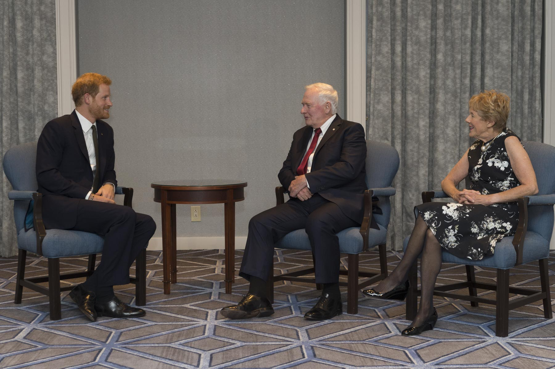 Their Excellencies the Right Honourable David Johnston, Governor General and Commander-in-Chief of Canada, and Mrs. Sharon Johnston are in Toronto to attend the 2017 Invictus Games on September 23 and 24. Prior to the opening ceremony, they met with His Royal Highness Prince Henry of Wales, Patron of these Games.