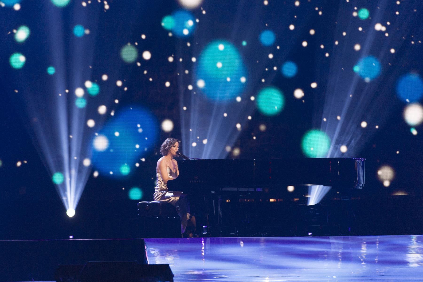 Sarah McLachlan offered a powerful performance on this occasion.