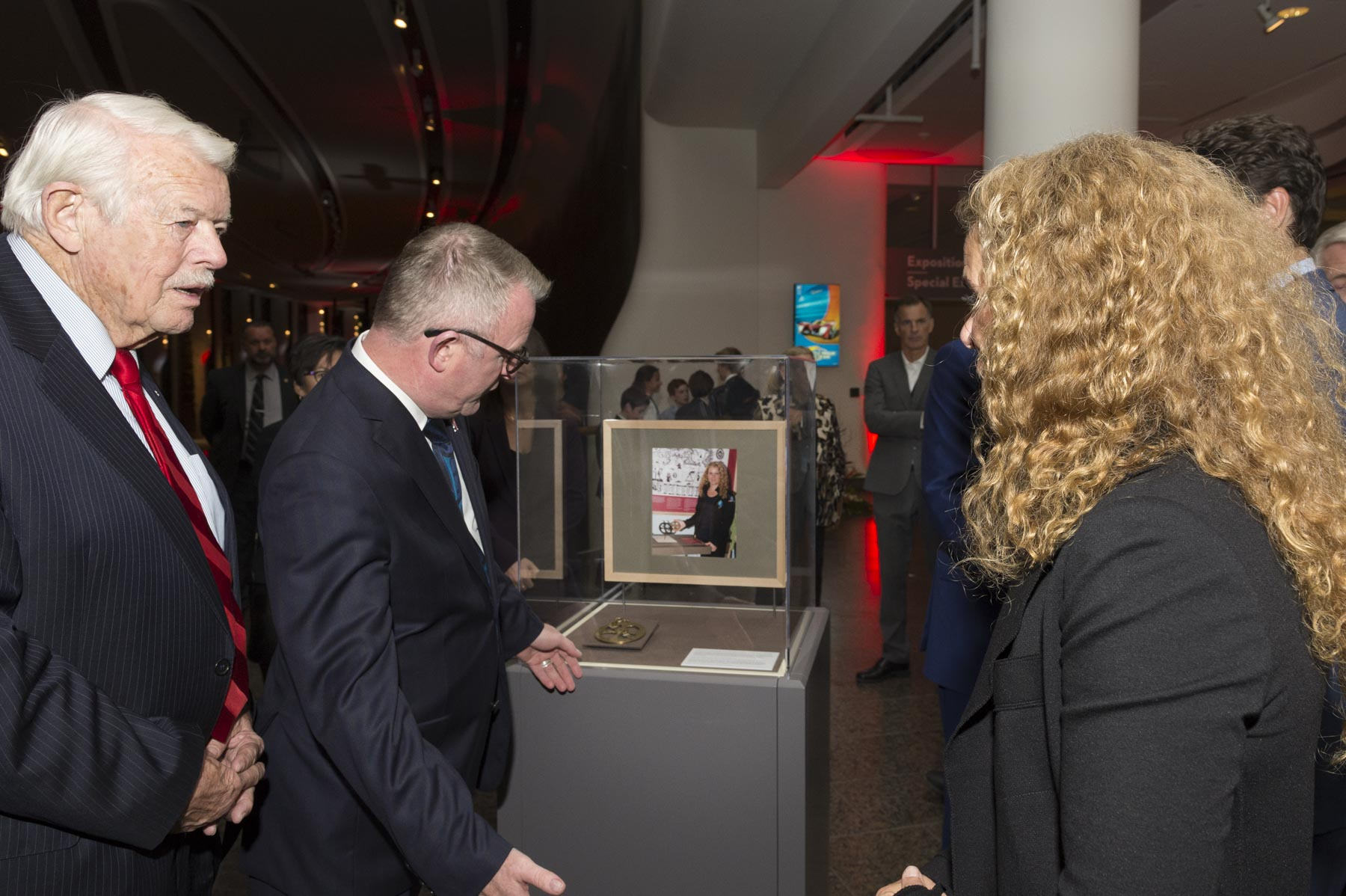 Inside the Canadian Museum of History, Her Excellency was shown one of the replica of the astrolabe, a well-known emblem of Canada's heritage, that she brought with her inside the Space Shuttle Endeavour on July 15, 2009. The successful mission delivered critical supplies to the Space Station and installed a new laboratory platform for scientific experiments.
