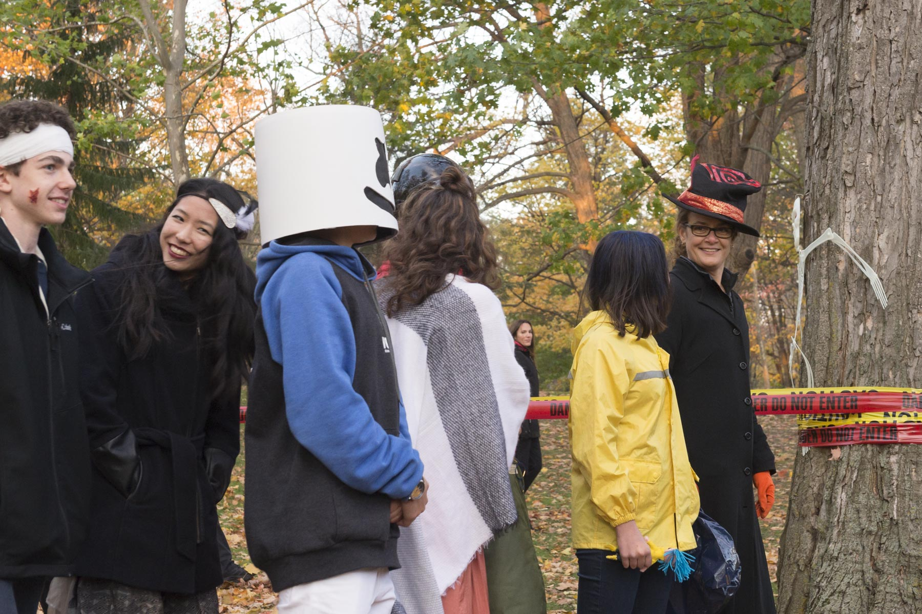 Governor General Julie Payette, disguised with a black cape and a colourful Cirque du Soleil top hat, took part in the event and walked the scary path.