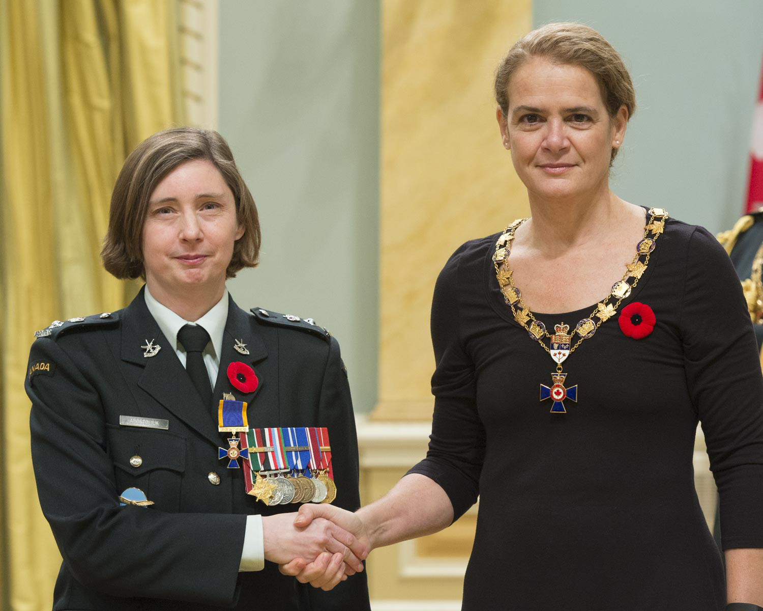 Her Excellency presented the Order of Military Merit at the Officer level (O.M.M.) to Lieutenant-Colonel Holly Abigail Bernita Apostoliuk, O.M.M., C.D., from the Office of the Chief of the Air Force Staff in Ottawa, Ontario.