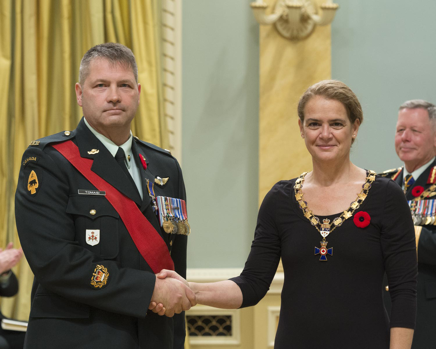 Her Excellency presented the Order of Military Merit at the Member level (M.M.M.) to Warrant Officer Sergio Tomasi, M.M.M., C.D., of the 1st Battalion of the Royal Canadian Regiment, in Petawawa, Ontario.