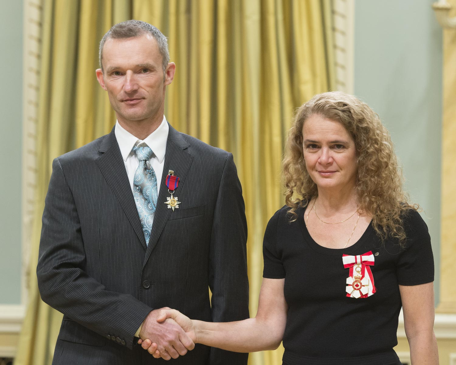 On November 9, 2015, Sebastian Taborszky rescued a man who had fallen during an ice climbing excursion at Murchison Falls, in Jasper National Park, Alberta. Mr. Taborszky and the man were on an 80-metre descent when the victim started to free-fall. Mr. Taborszky tried in vain to grab on to the rope, which sliced through his glove. The victim, tangled in the rope, stopped falling 10 metres from the ground. Without any equipment or support, Mr. Taborszky climbed down the wall of ice to reach his injured companion. Over the next seven hours, in -15°C temperatures, Mr. Taborszky endured exhaustion, dehydration and his own injuries as he dragged the severely injured victim over the steep, rocky terrain back to their vehicle. He then hoisted the victim inside the car and drove for an hour before he could alert the authorities for help.