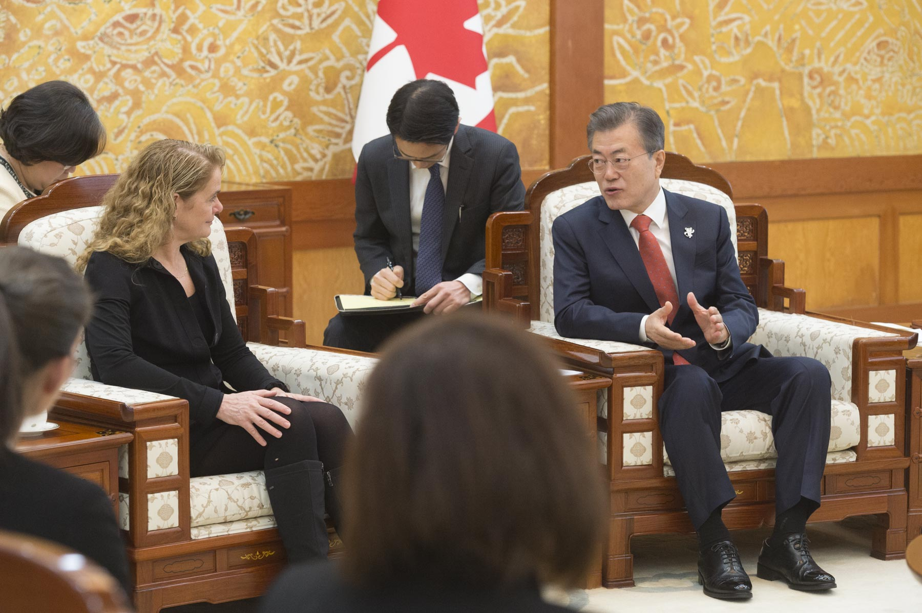 During the meeting, the Governor General and the President discussed Canada-Korea relations and the upcoming Olympic Games.