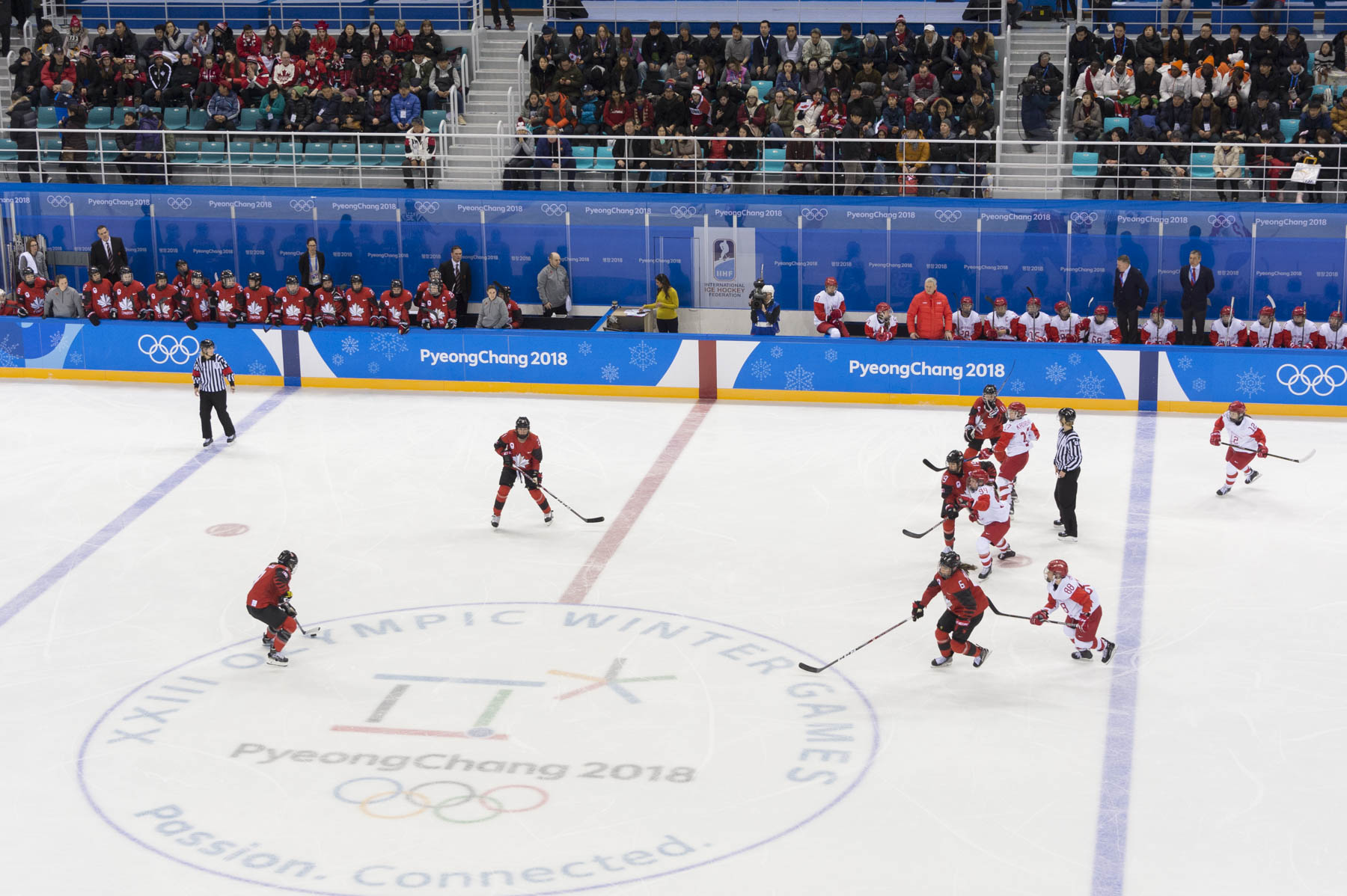 The day ended at the Gangneung Hockey Centre where Her Excellency watched Team Canada take on the athletes of Russia.