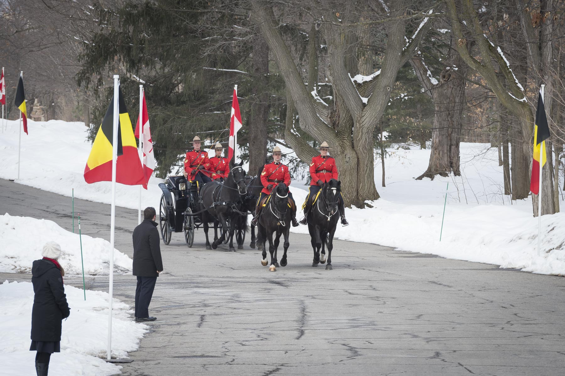 Their Majesties the King and Queen of the Belgians made their official arrival to Rideau Hall by landau. Canada was last visited by a Belgian monarch in 1977, when Their Majesties King Baudouin and Queen Fabiola undertook their State visit.