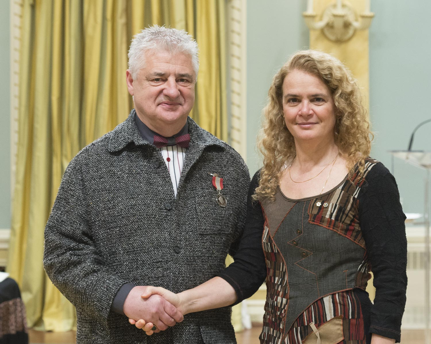 For 10 years, François Marion has served as board president of the Villa d'Accueil Sainte-Thérèse de Marionville, where he has led building enhancement projects and helped organize social events. Since 2011, he has also led a multi-community citizens' committee that promotes the interests of residents.