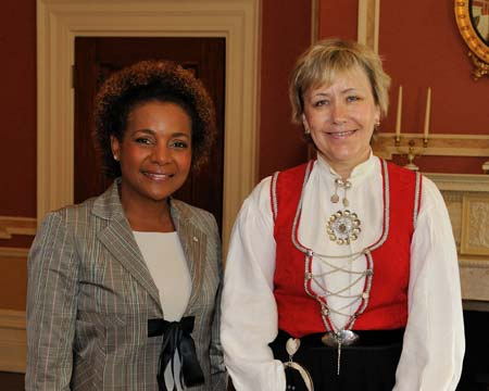 Her Excellency the Right Honourable Michaëlle Jean, Governor General of Canada, received the credentials of Her Excellency Else Berit Eikeland, Ambassador of the Kingdom of Norway.