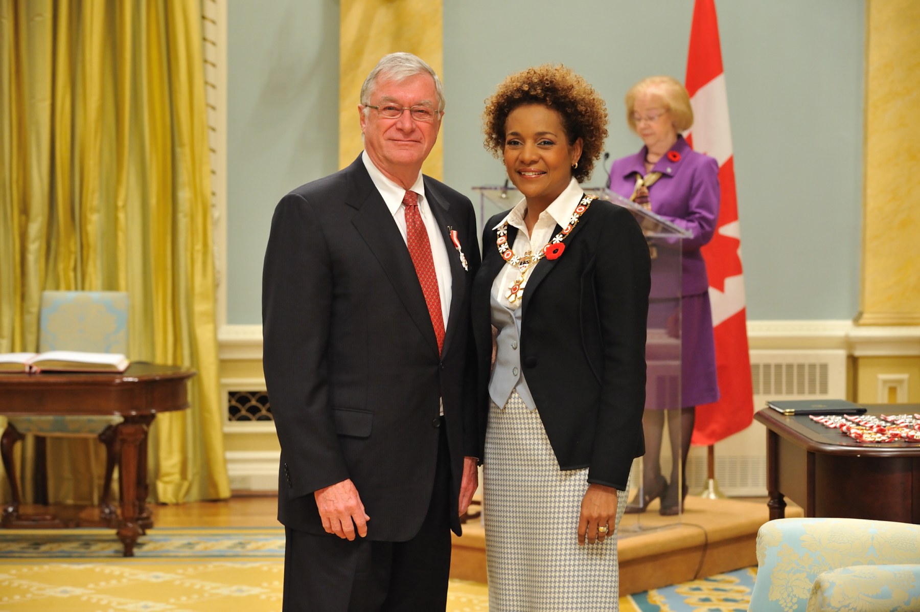 Her Excellency the Right Honourable Michaëlle Jean, Governor General of Canada, presented the insignia of Member of the Order of Canada to Gordon Arnell, C.M. For more than three decades, he has shown vision and leadership within the real estate.