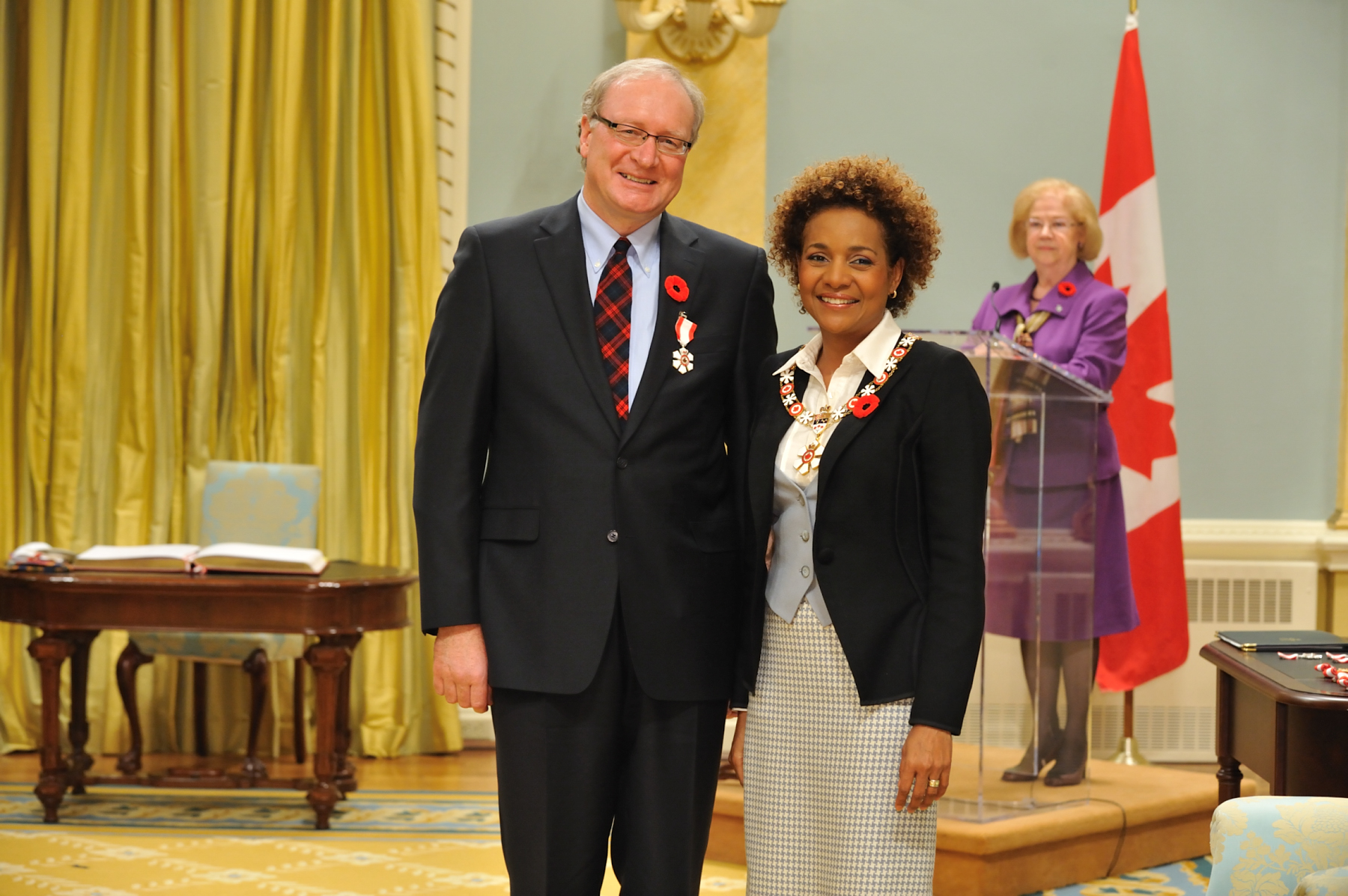 Her Excellency the Right Honourable Michaëlle Jean, Governor General of Canada, presented the insignia of Member of the Order of Canada to Wade MacLauchlan, C.M., who had a lasting impact on post-secondary education and economic development.