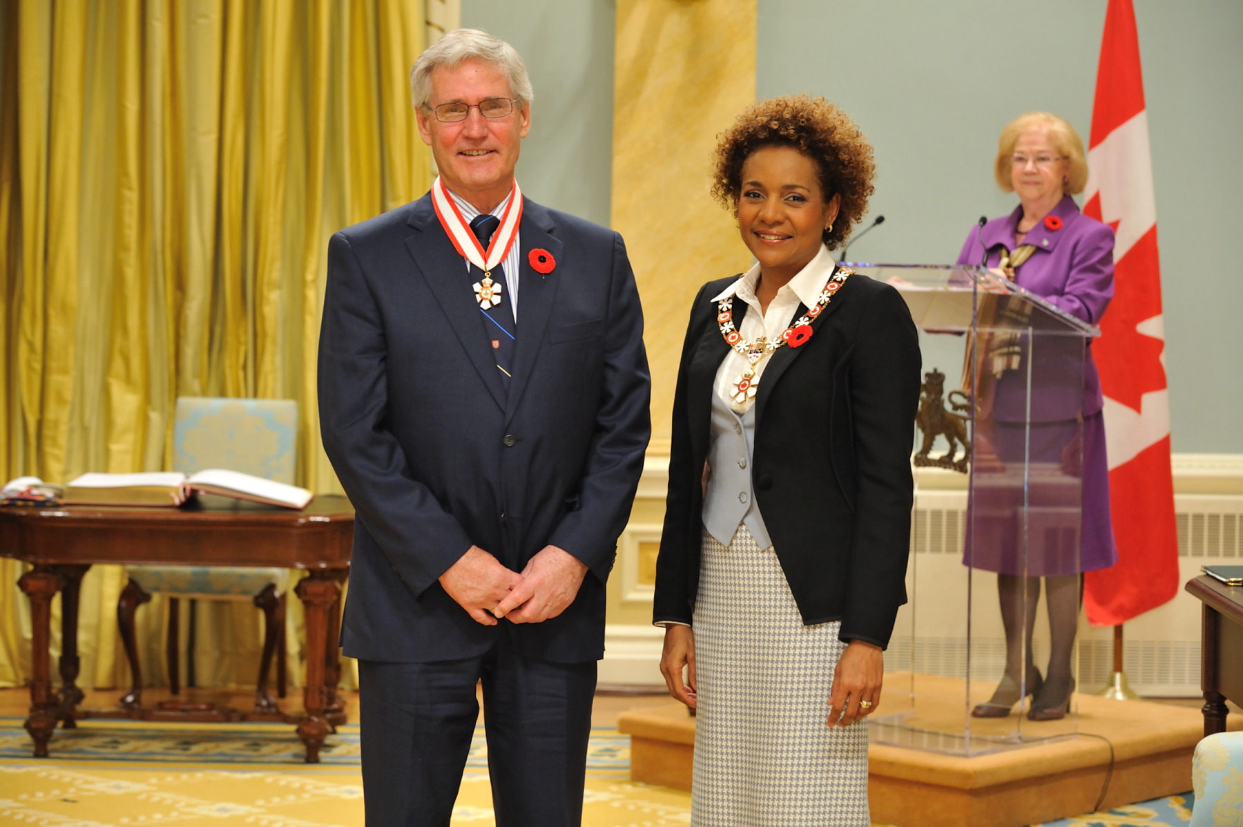 Her Excellency the Right Honourable Michaëlle Jean, Governor General of Canada, presented the insignia of Officer of the Order of Canada to Robin Boadway, O.C., one of Canada's leading public finance economists.