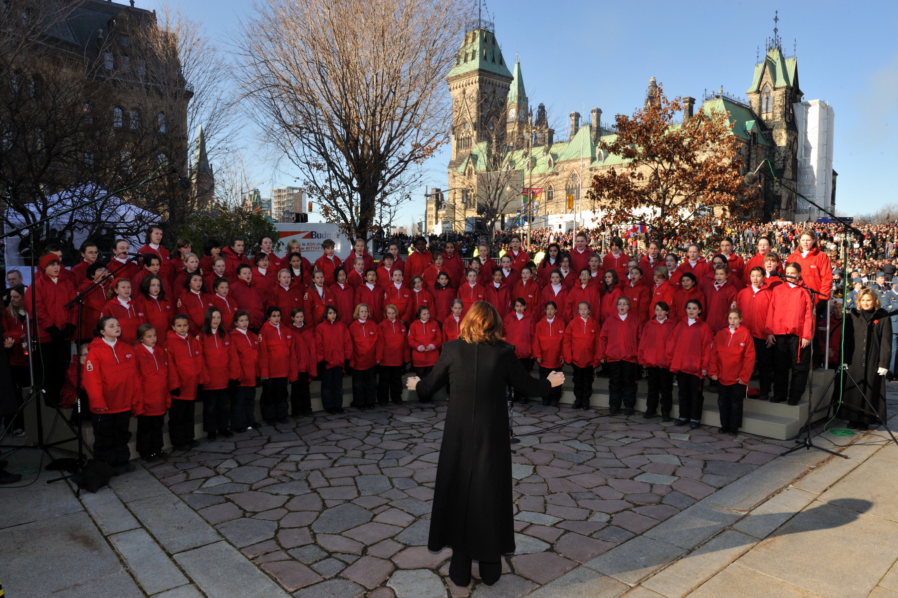 "A children choir sang ""Ô Canada"" and ""In Flanders Fields"", among others, during the ceremony."