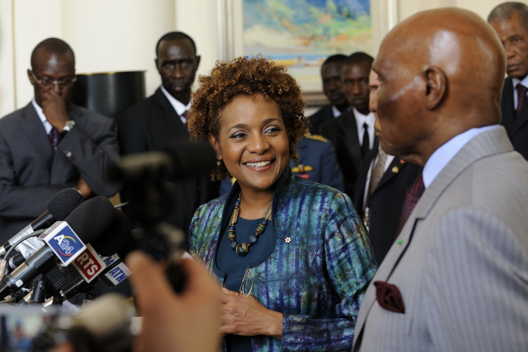 The Governor General and the President of Senegal made statements to the media following their meeting.