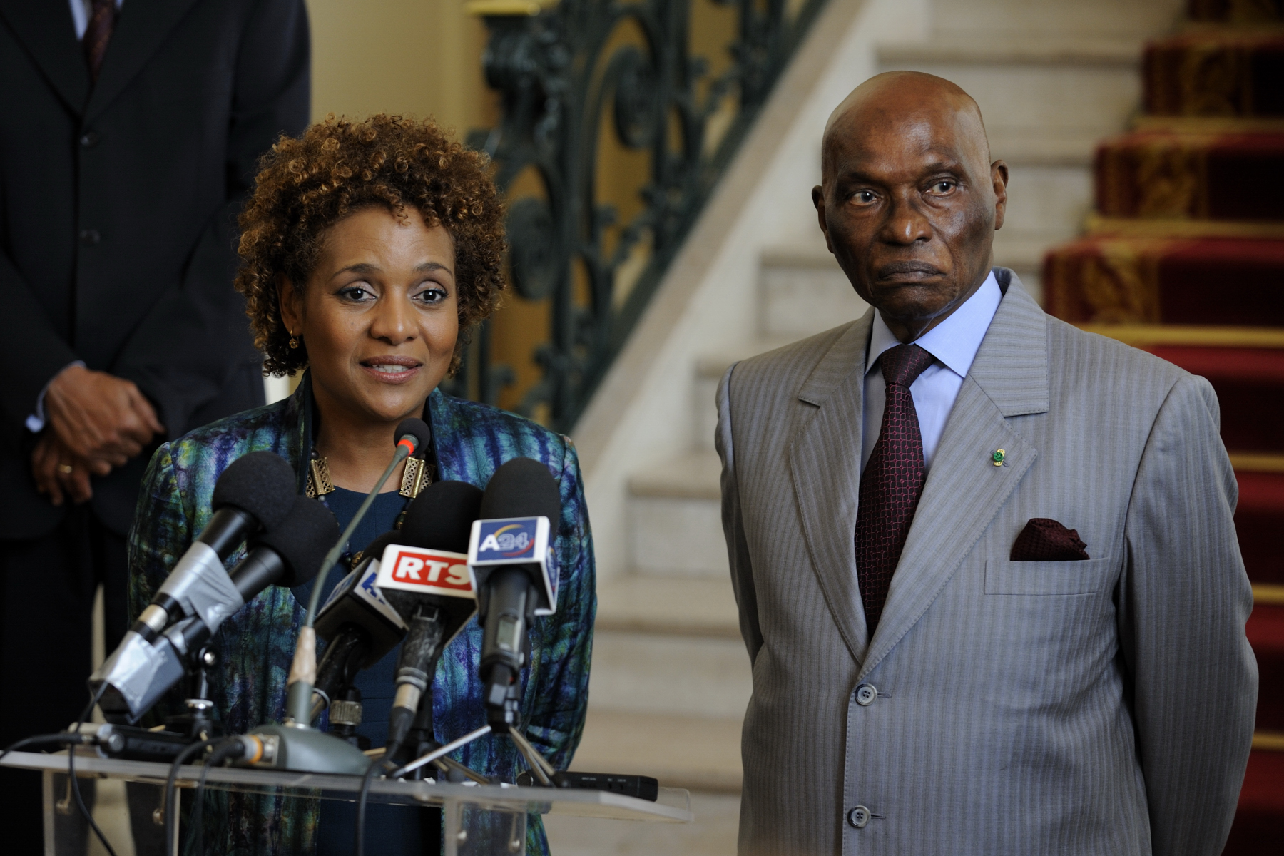 The Right Honourable Michaëlle Jean undertook a State visit to the Republic of Senegal, from April 14 to 17.