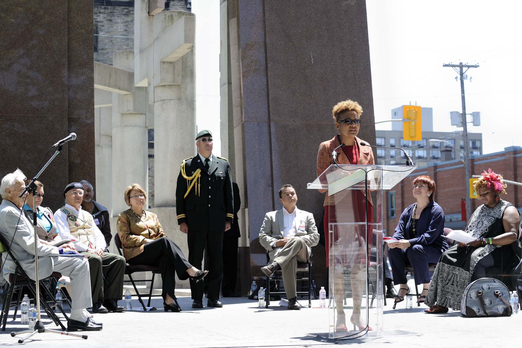 On the occasion of National Aboriginal Day, Her Excellency participated in a dedication ceremony at the Canadian Tribute to Human Rights monument, in Ottawa. The event highlighted the completion of plaques, written in 73 Aboriginal languages and carved onto granite within the Canadian Tribute to Human Rights monument.