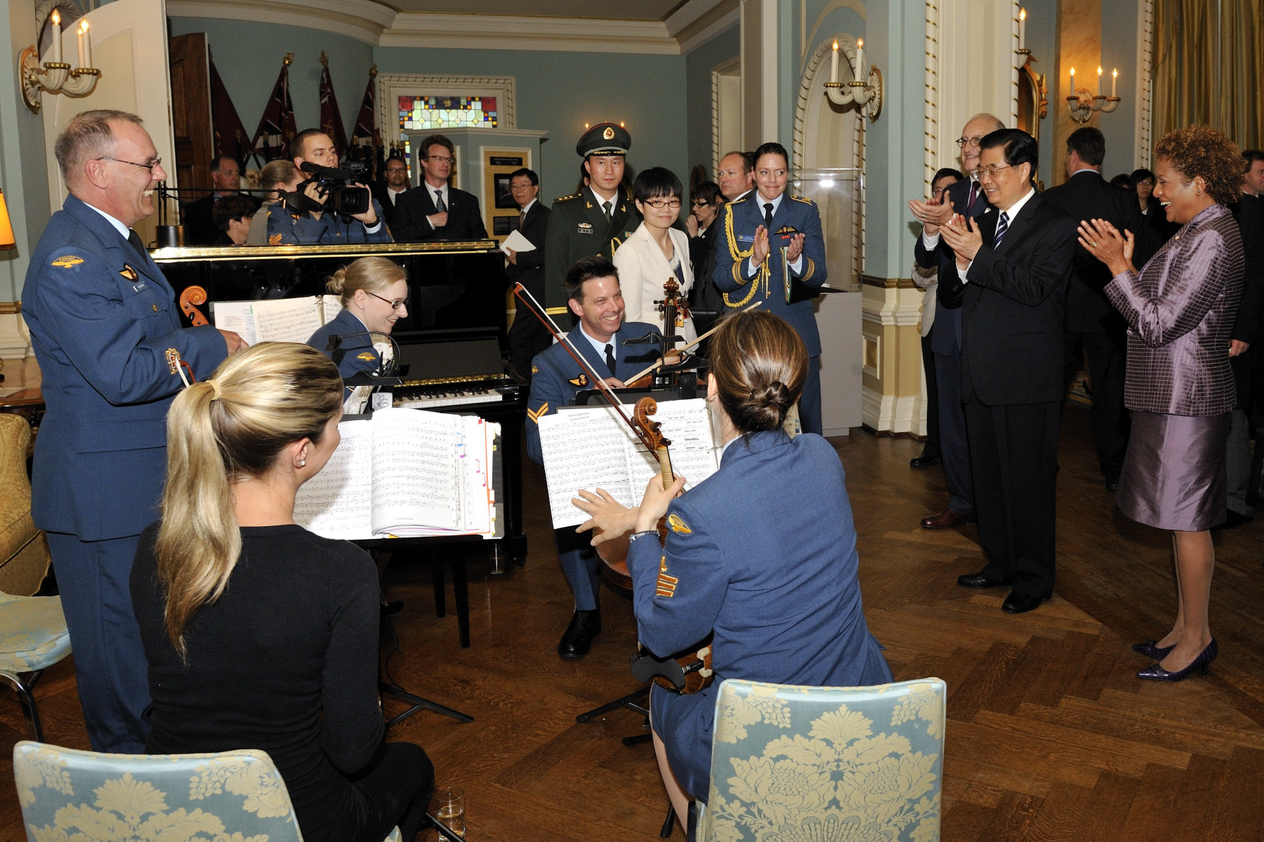 The Governor General and the President applauded the very talented musicians who played during the luncheon.