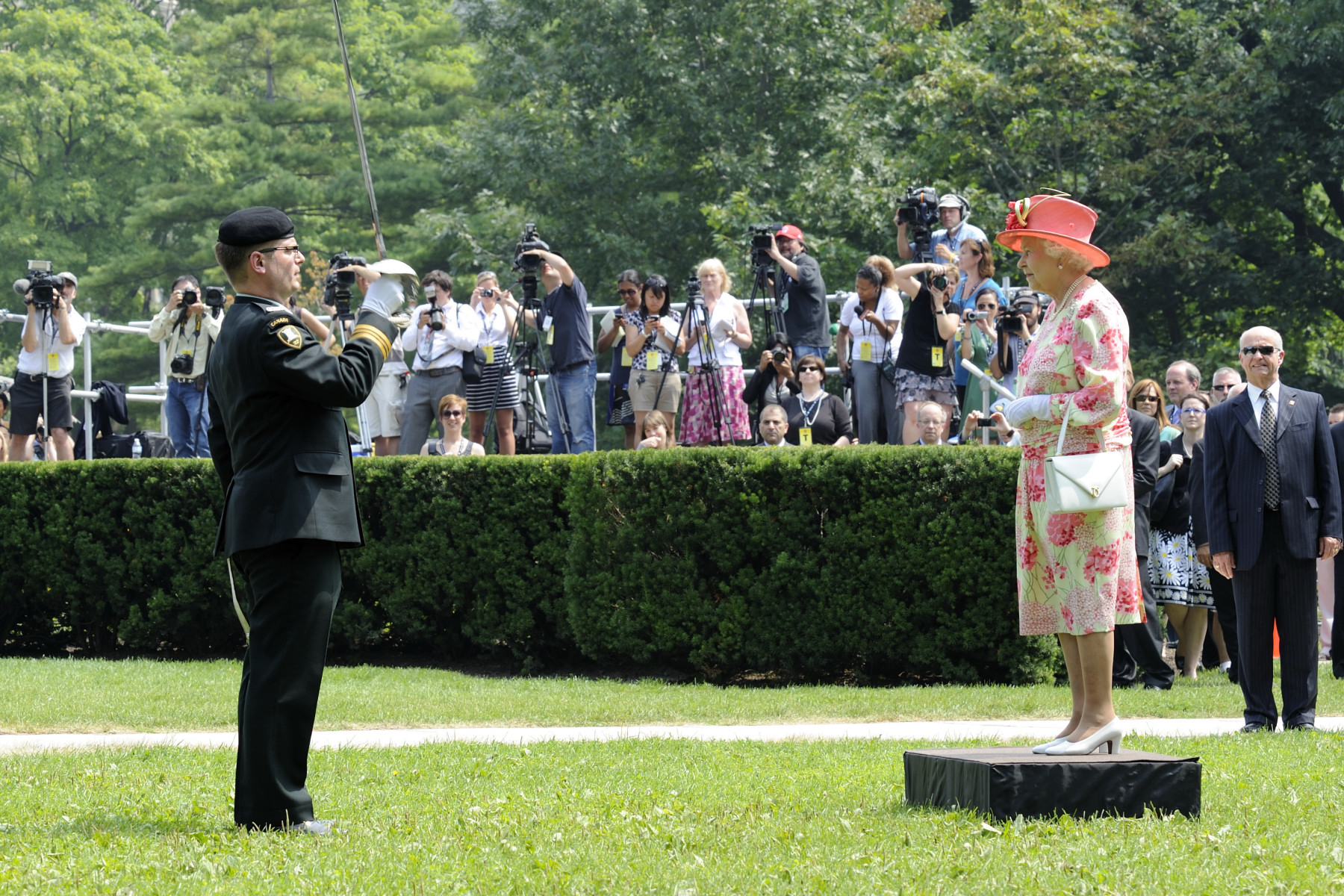 Her Majesty The Queen receives the Royal salute.