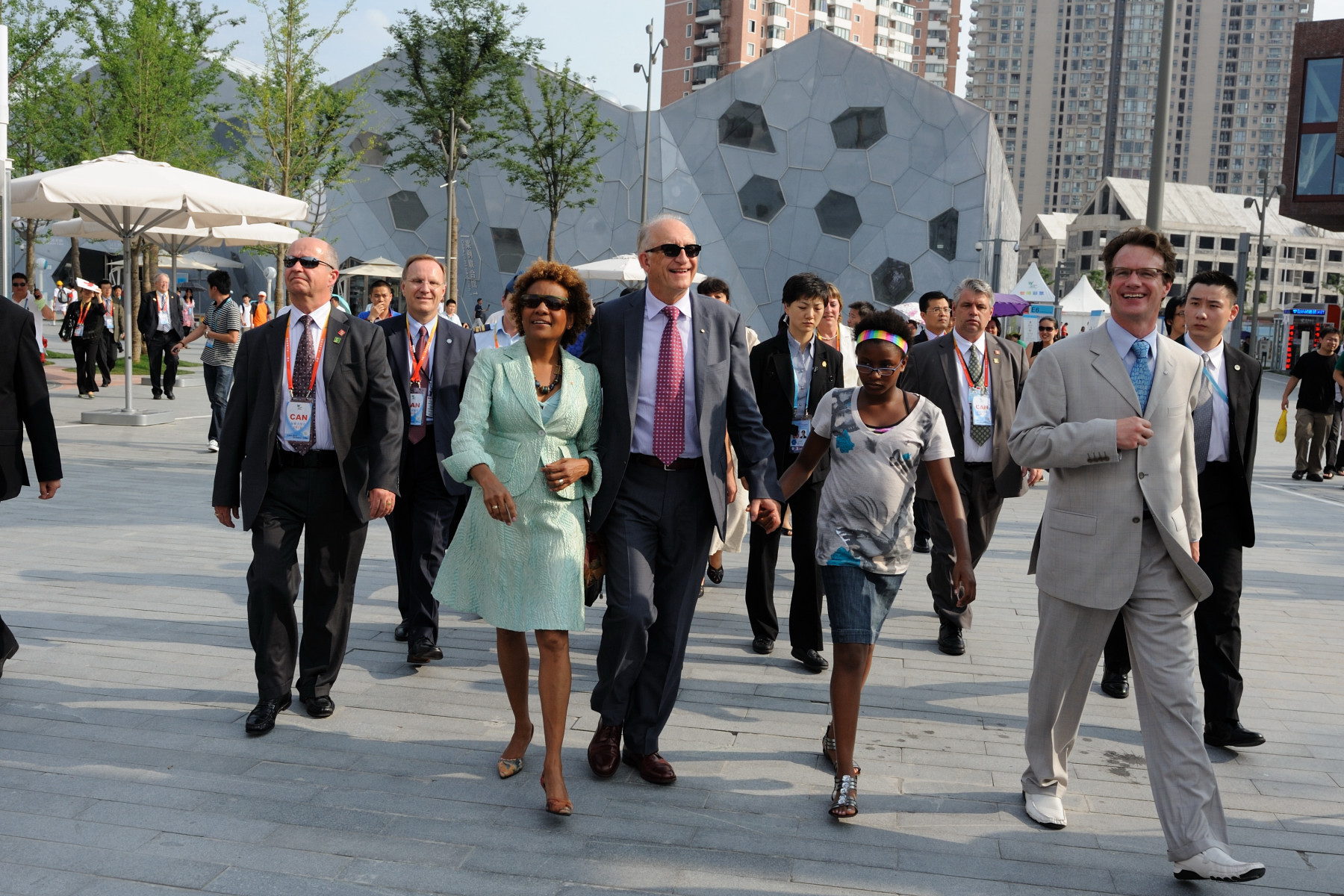 Their Excellencies visited Espace Montréal at Urban Best Practices Area of Shanghai Expo.