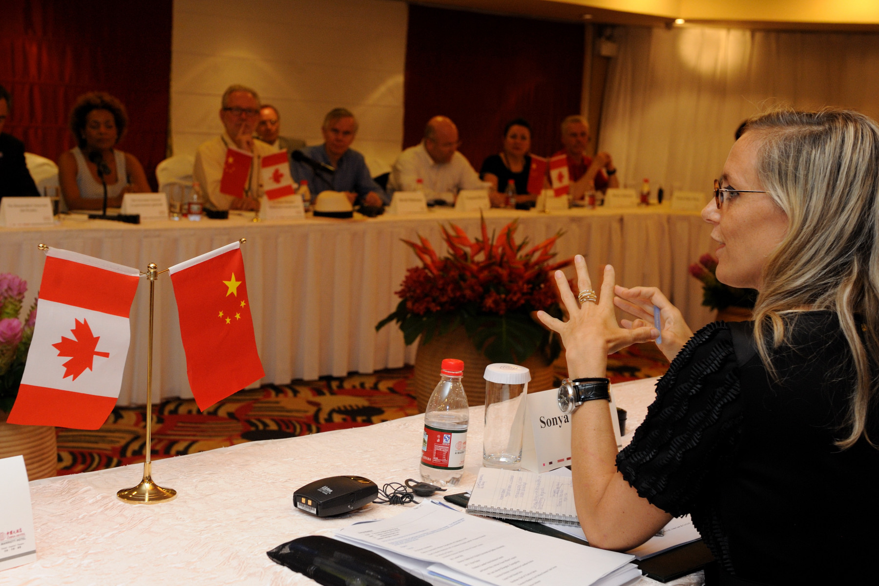 The meeting took place at the China Hotel, in Guangzhou.