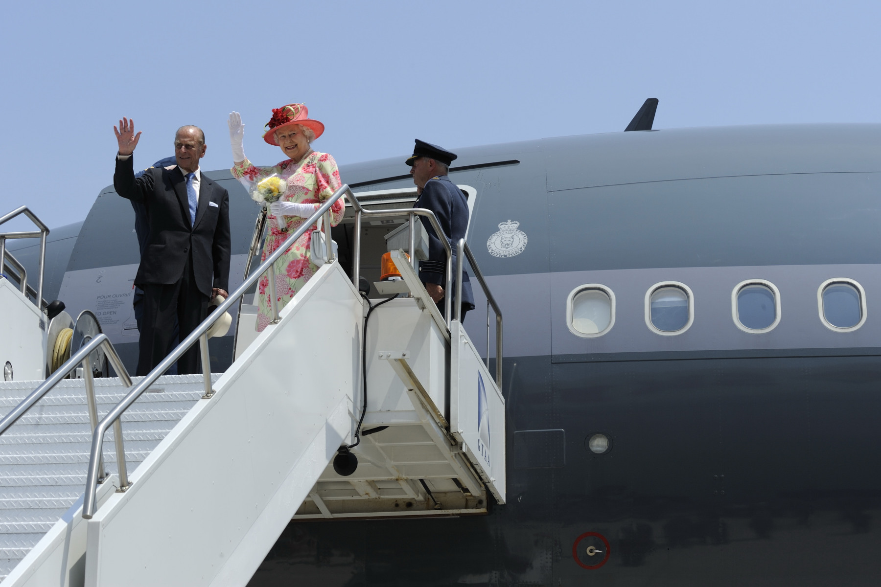 The Queen and The Duke of Edinburgh departed Canada for New York City, marking the end of Her Majesty The Queen's 22nd tour of Canada.