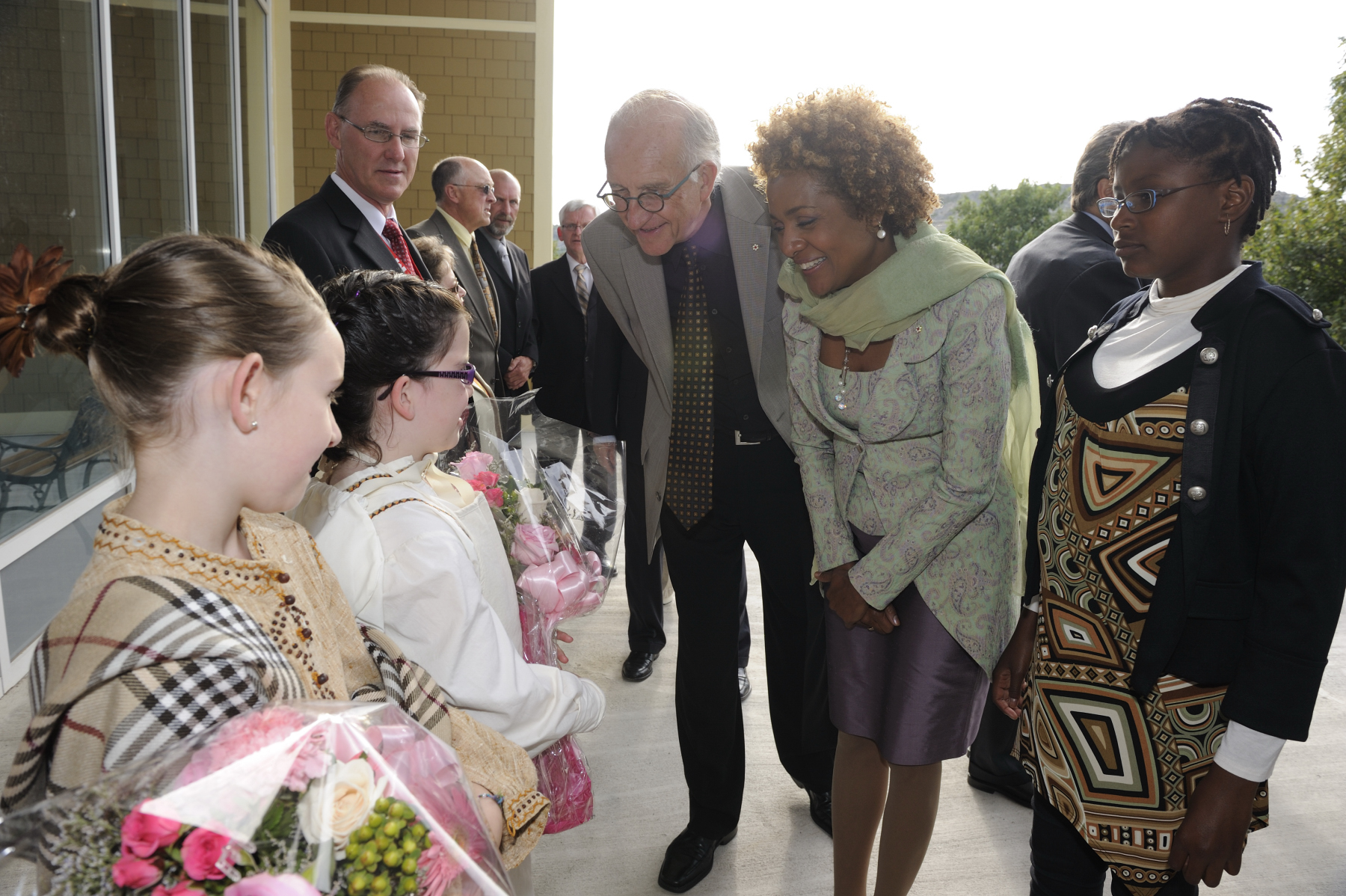 As part of the regional visit to Newfoundland and Labrador, the Governor General and Mr. Jean-Daniel Lafond, along with their daughter Marie-Éden, visited Cupids Legacy Centre.