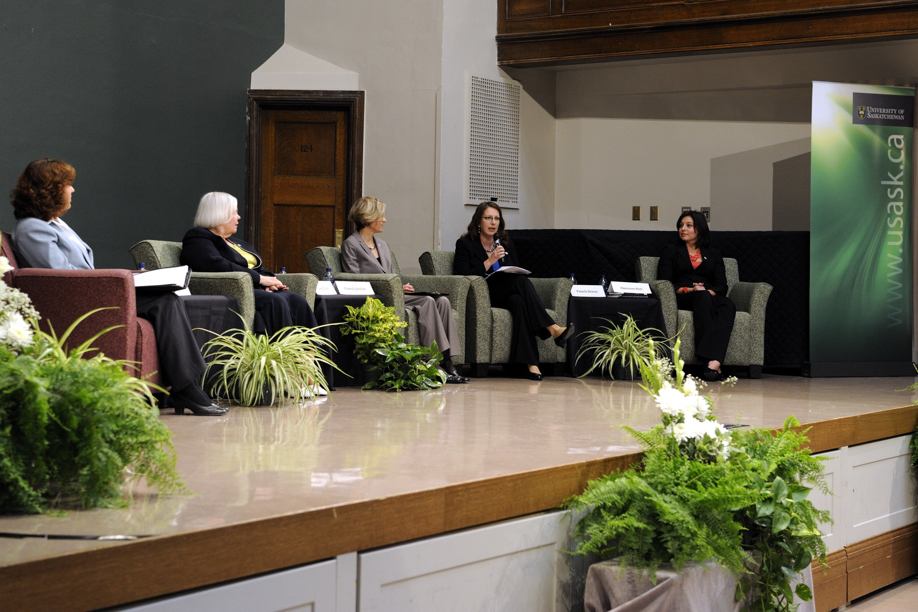"Following the visit at the Canadian Light Source (CLS), the Governor General participated in a discussion marking the 50th anniversary of the Canadian Bill of Rights. The theme of the discussion was ""Women's Rights are Human Rights"" and was held at the University of Saskatchewan."