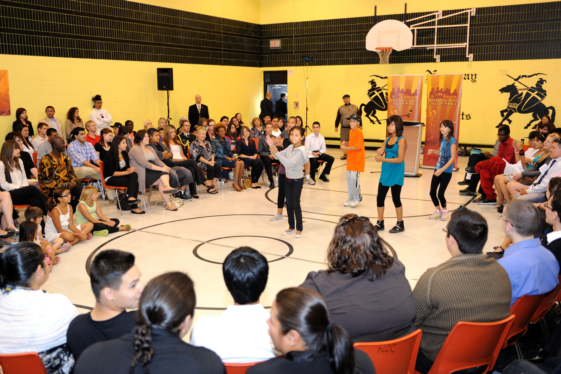 In June 2007, the Governor General held an Urban Arts Forum, in which neighbourhood youth pleaded for help to get rid of the gangs terrorizing their community. Their words inspired residents to reduce crime to astonishingly low levels in just eight months.