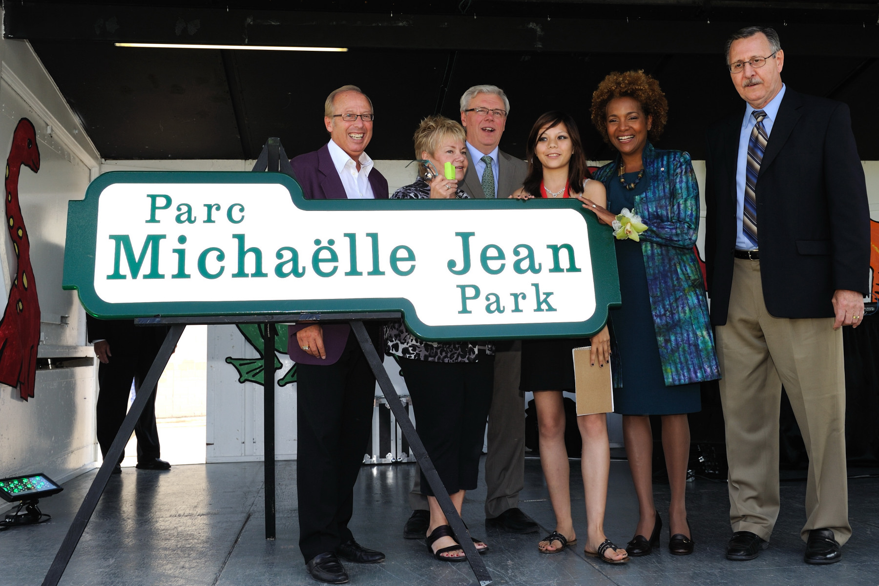 Her Excellency attended the naming of the Michaëlle Jean Park. She delivered a speech and unveiled the park sign.